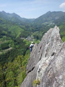 太刀岡山 左岩稜 上部のナイフリッジ