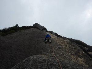 大面岩左稜線6P目